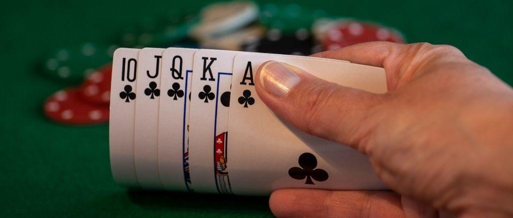 poker suite royale a trefle